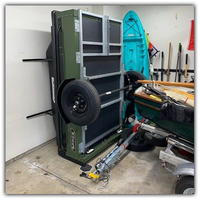 storing green trailer on bumpers