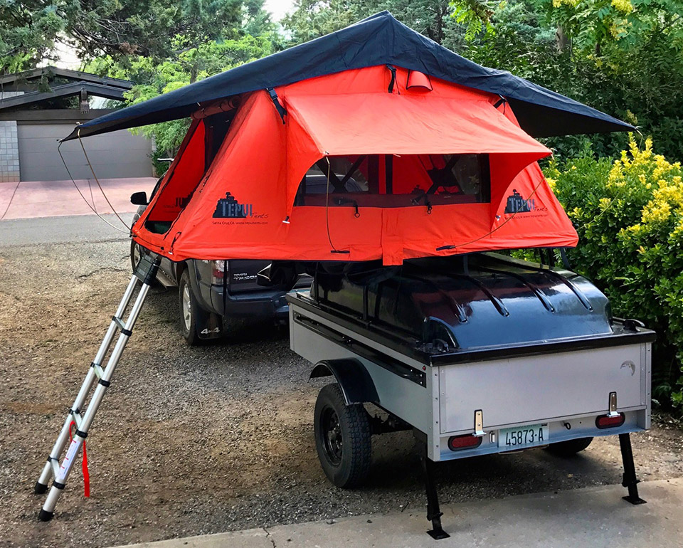 Silver Trailer with Tent