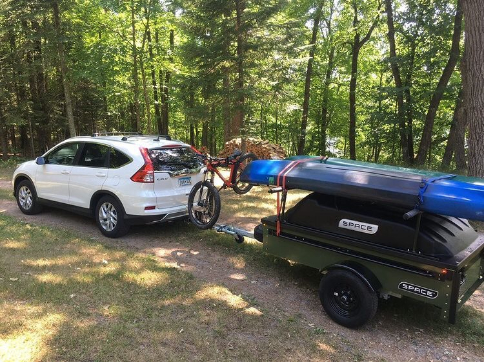 Kayak mounted on top of trailer SPACE Trailer trailer top rack size